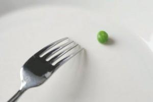 228335_anorexie-jidlo-hrasek-crop